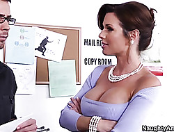 Veronica Avluv fierbinte sexy video - gratuit inselat nevasta porno