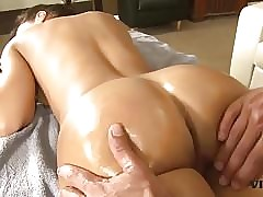 Lisa Ann free videos - mature and young porn